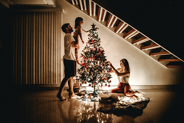 CHRISTMAS MARKETING: 8 Ways to Sell More in December